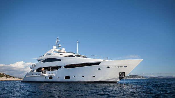 Super Yacht Rhine