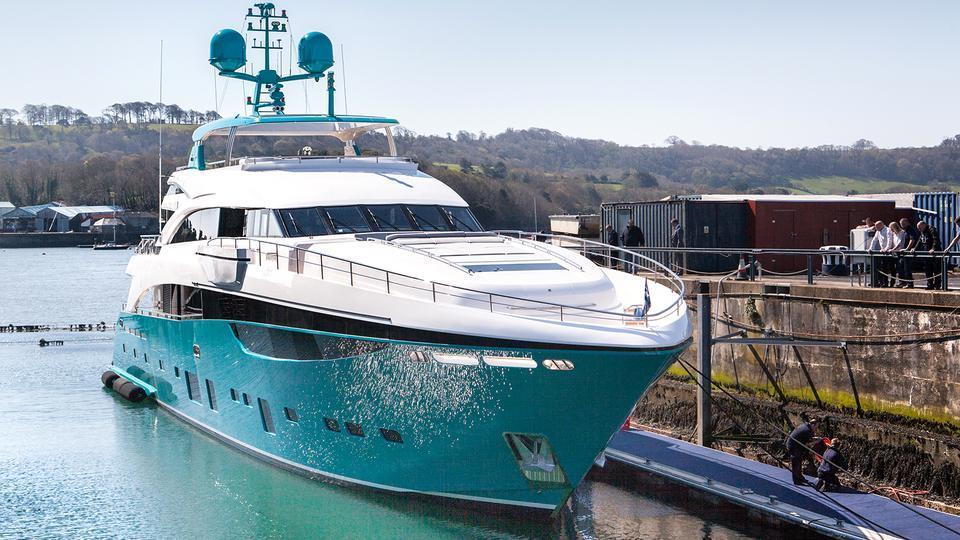 odyssey anka motoryacht princess yachts 40m 2015 half profile
