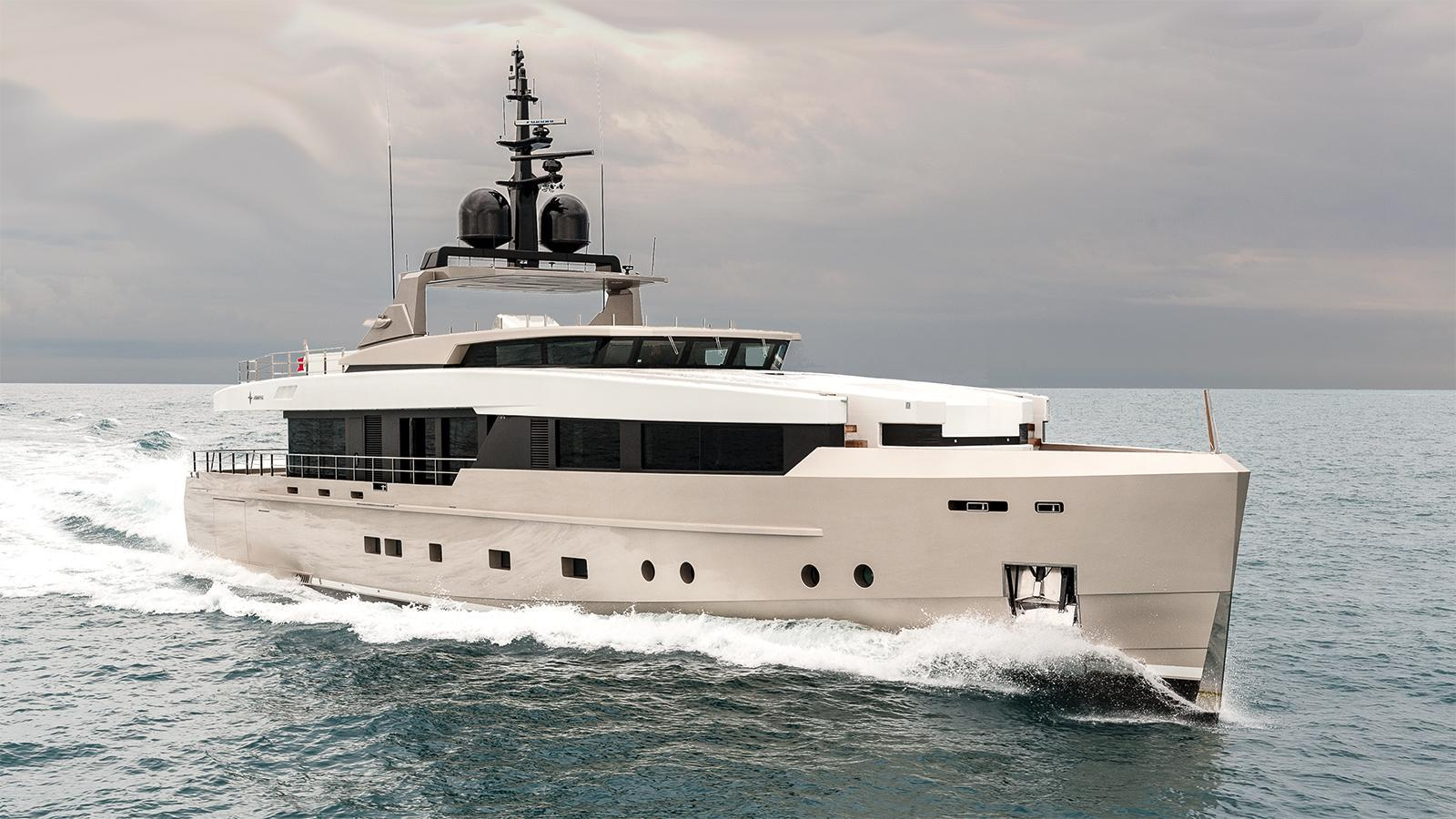 jedi nono motoryacht isg admiral 38m 2014 half profile