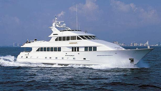 serenity talos motoryacht half profile