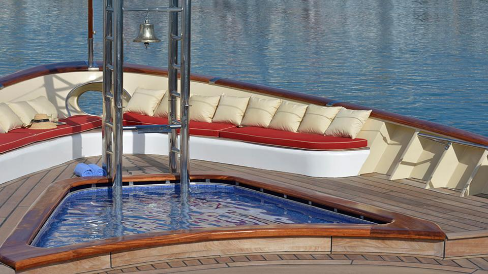 la-sultana-yacht-deck-1