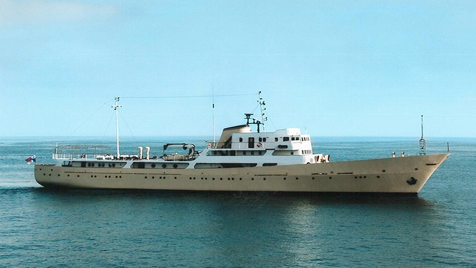 la-sultana-yacht-profile-1