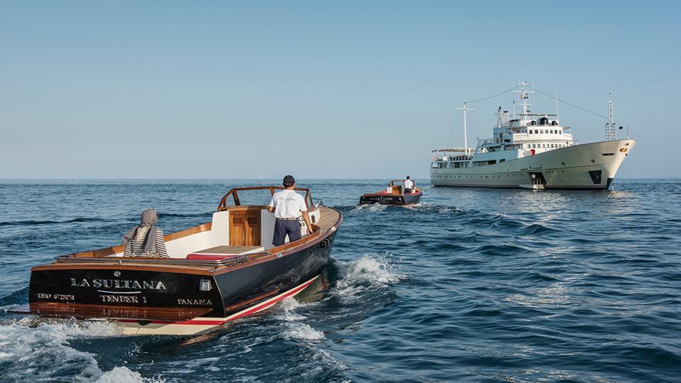 la-sultana-yacht-running