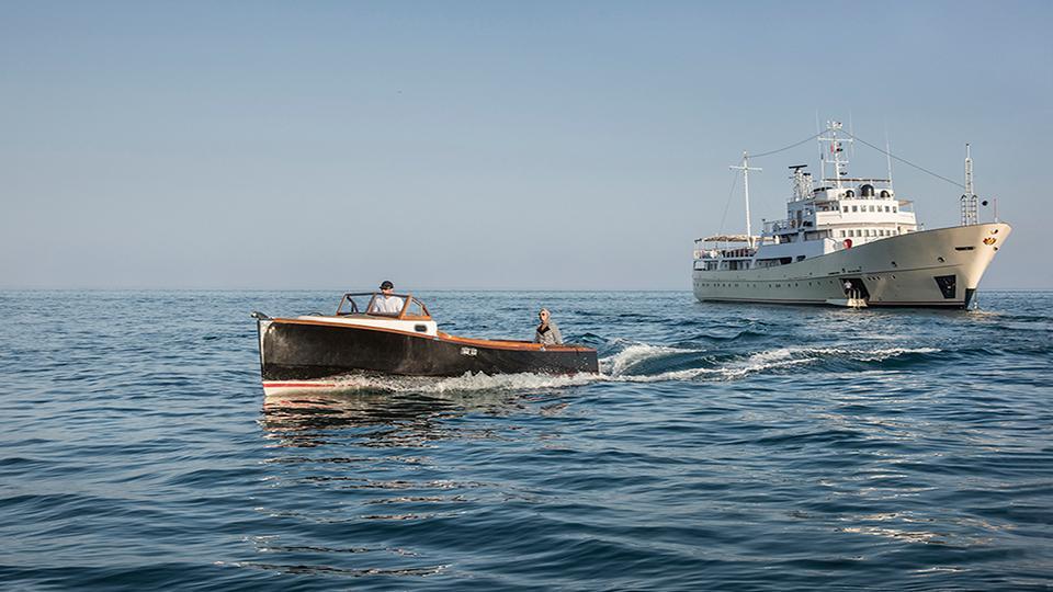 la-sultana-yacht-sailing