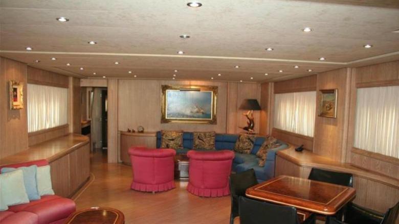 Gungnir-Ottava-yacht-lounge-1