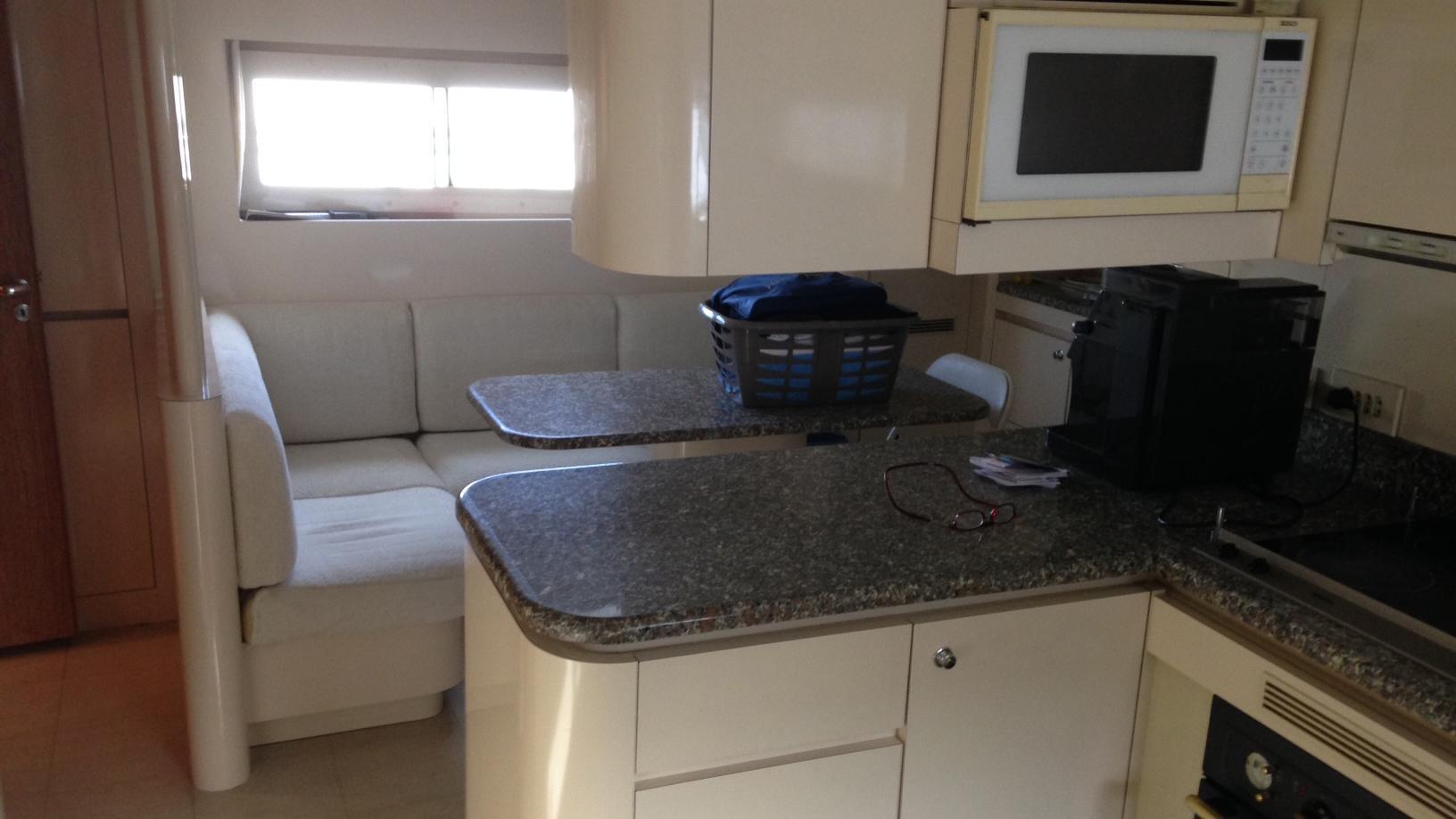 Gungnir-Ottava-yacht-galley