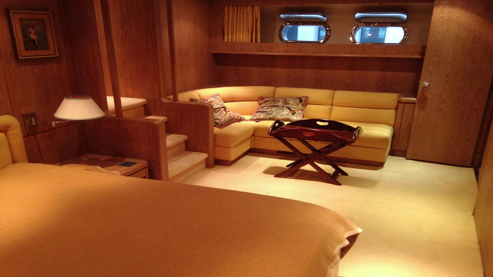 Gungnir-Ottava-yacht-bed-galley
