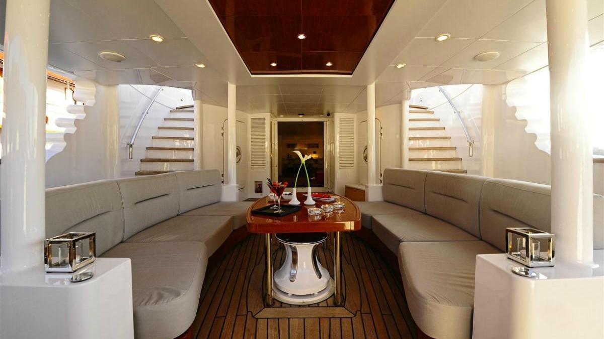 Berzinc yacht