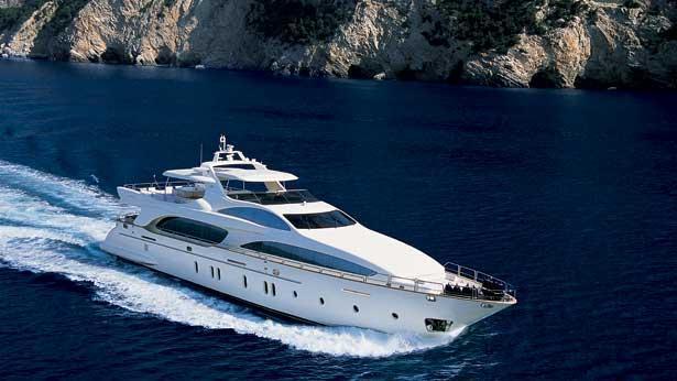 super-yacht-tail-lights
