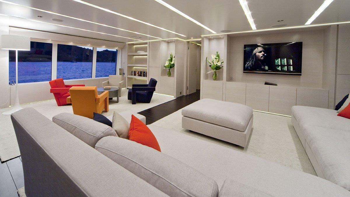 Baraka motor yacht