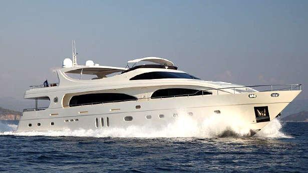 super-yacht-M&M