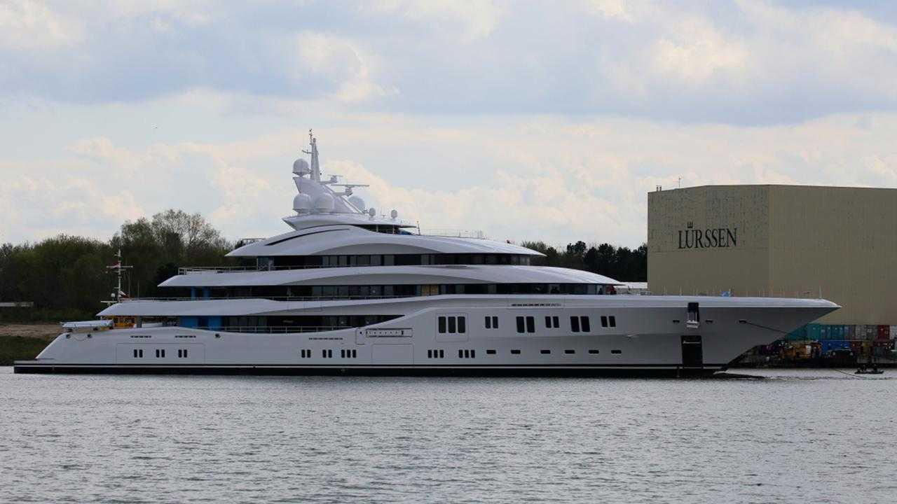 lady-lara-yacht-launch