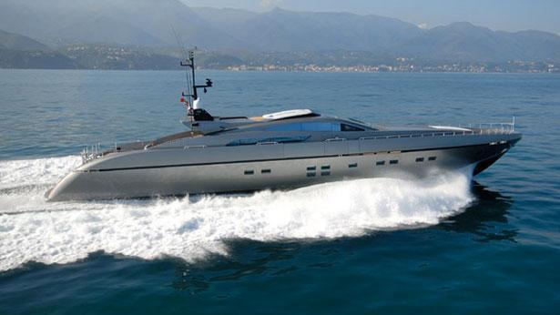 super-yacht-pure-insanity