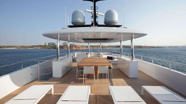 quaranta catamaran yacht logos marine 2013 34m sundeck