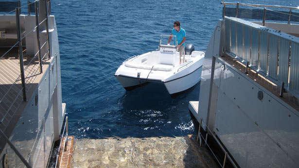 quaranta catamaran yacht logos marine 2013 34m bathing platform