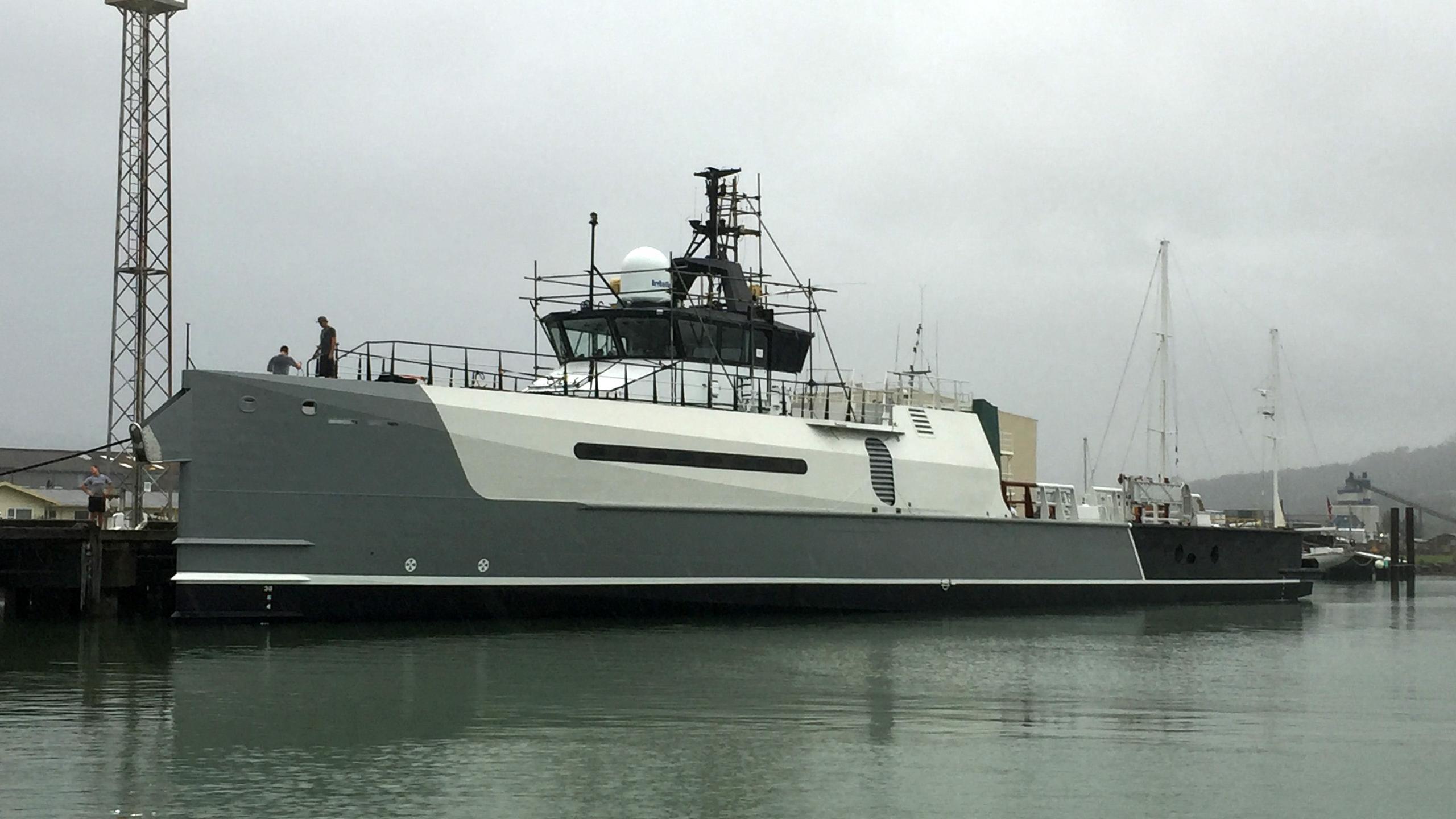 yacht-advantage-exterior