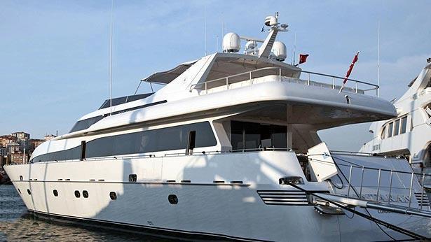 super-yacht-pantaran-summer-dreams