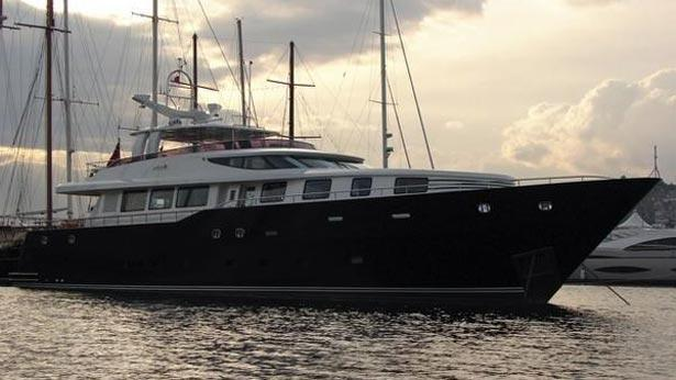 super-yacht-antibes