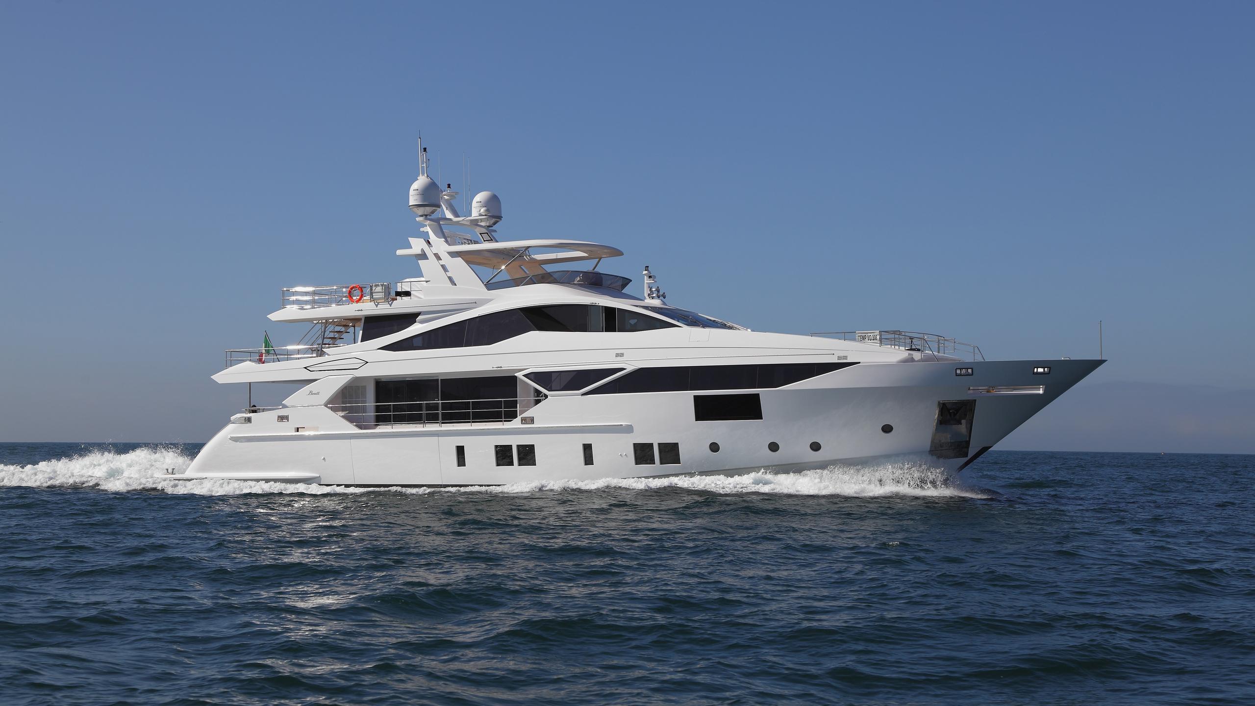 benetti-vivace-125-yacht-exterior