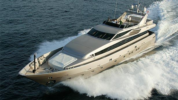 super-yacht-lumar