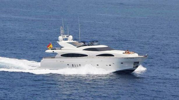 super-yacht-wind-song-vi