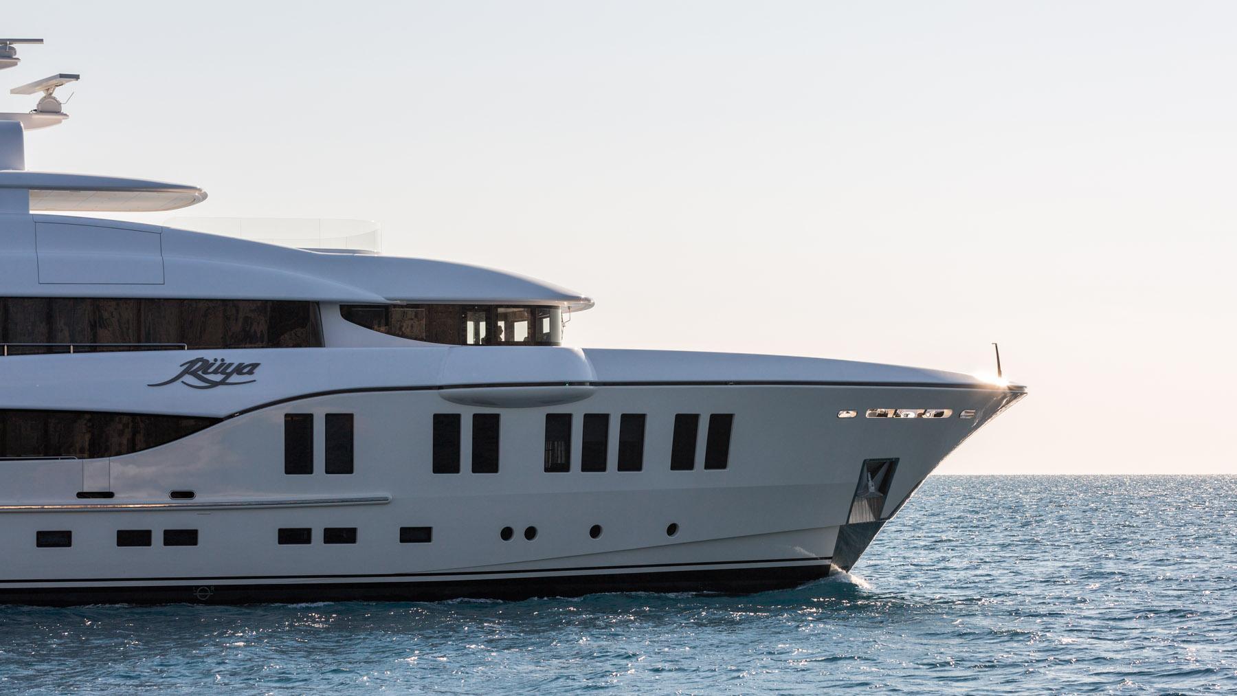 ruya-yacht-profile-zoom-exterior