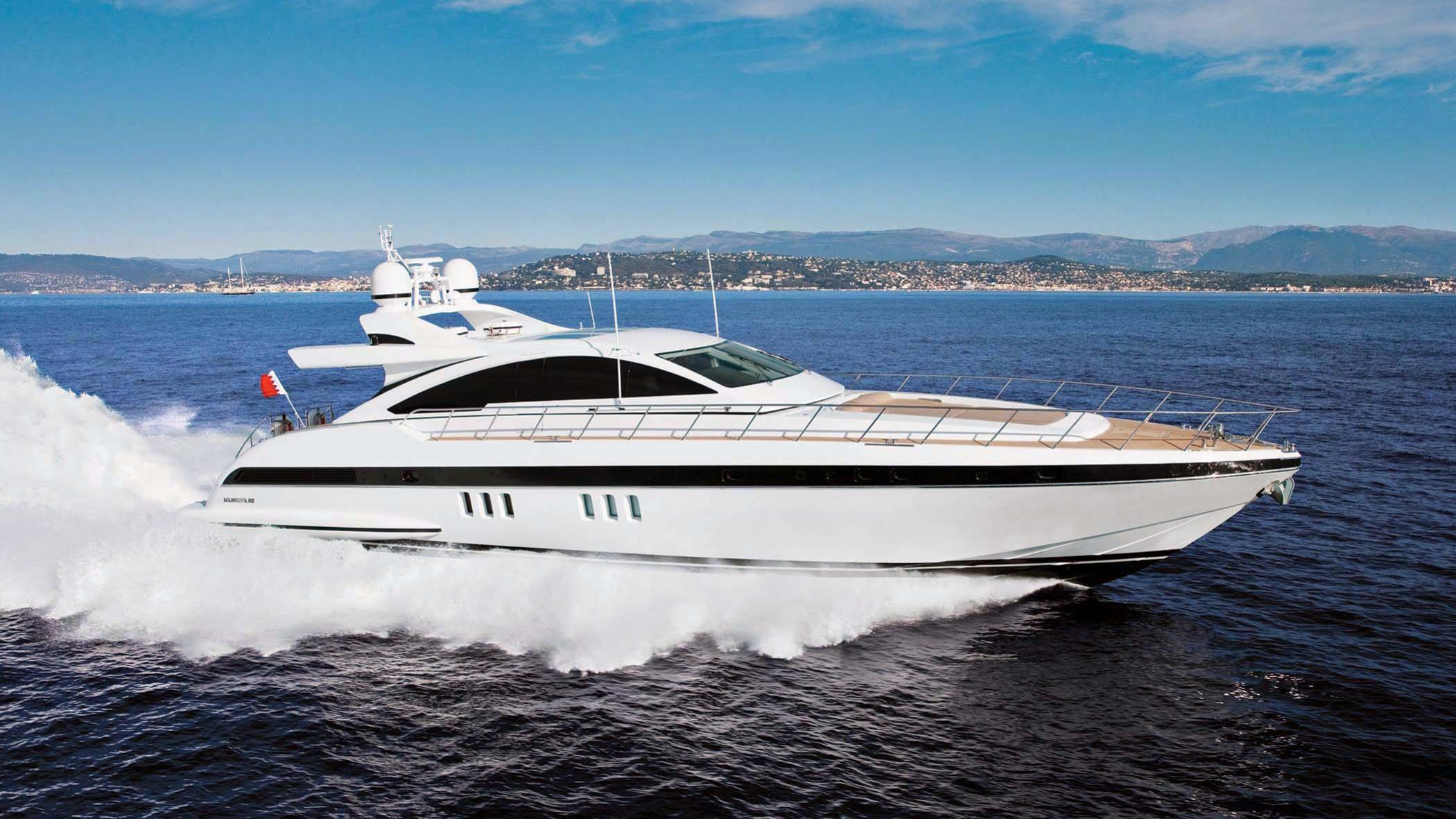 Milu II, Overmarine motor yacht for sale cruising
