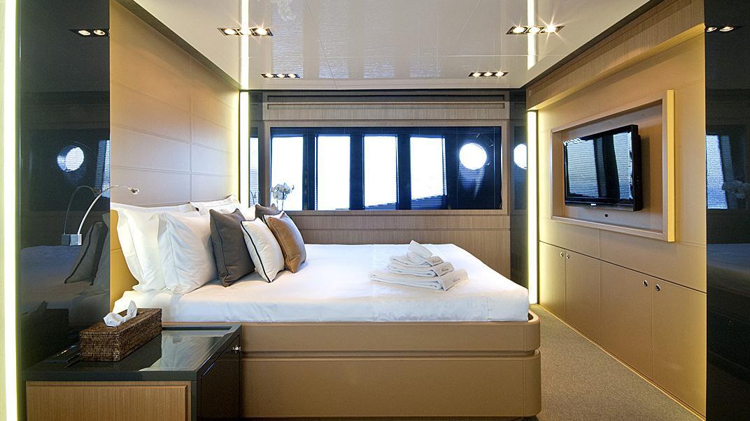 Rhino, yacht for charter: master cabin