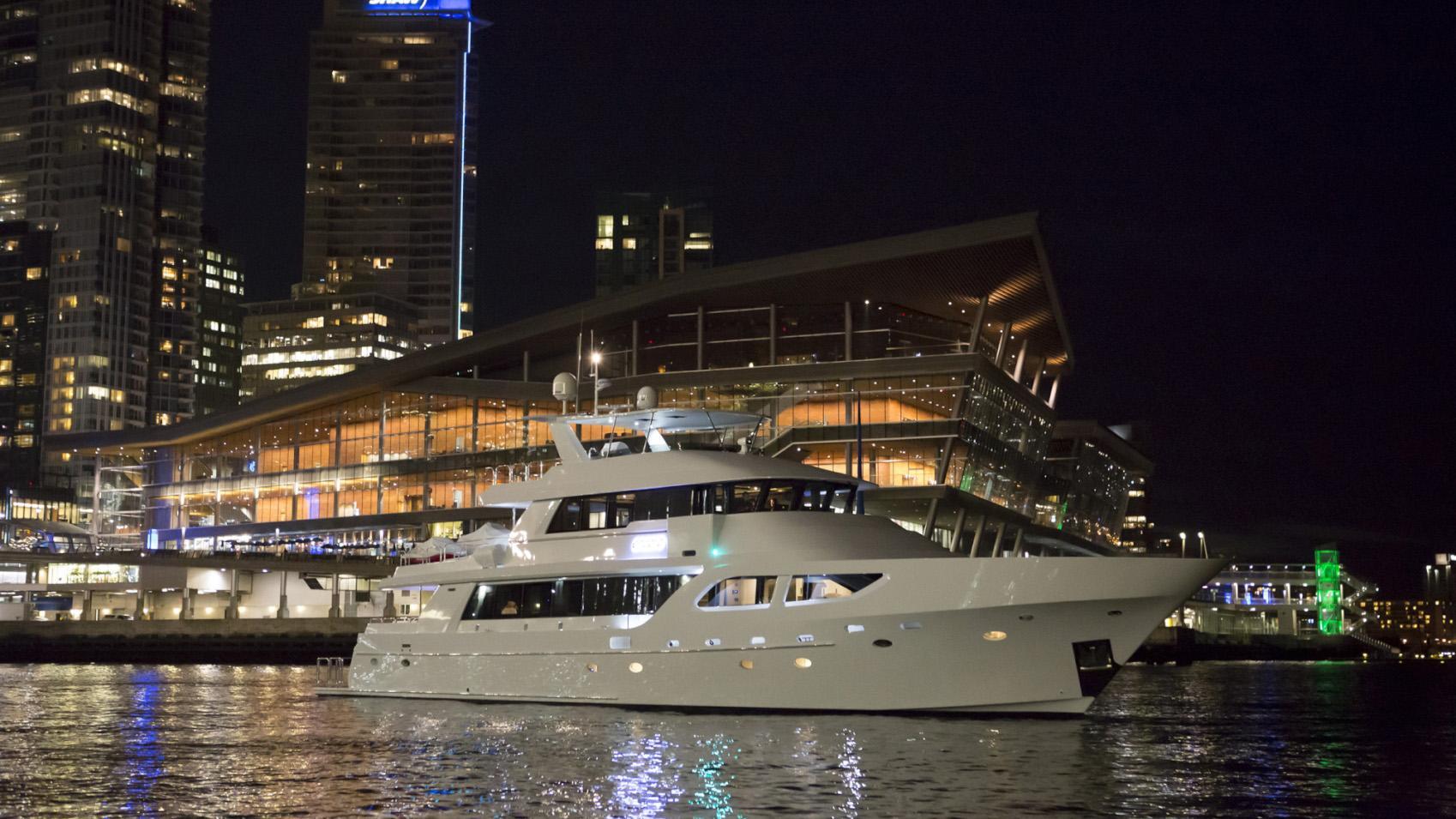 Encore motor yacht for sale profile night
