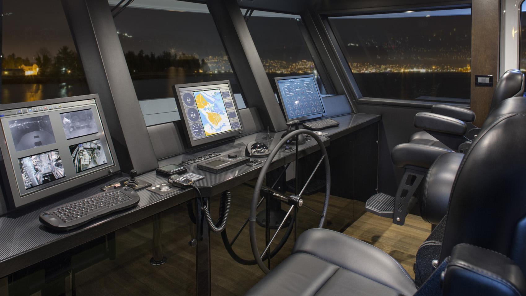Encore motor yacht for sale helm