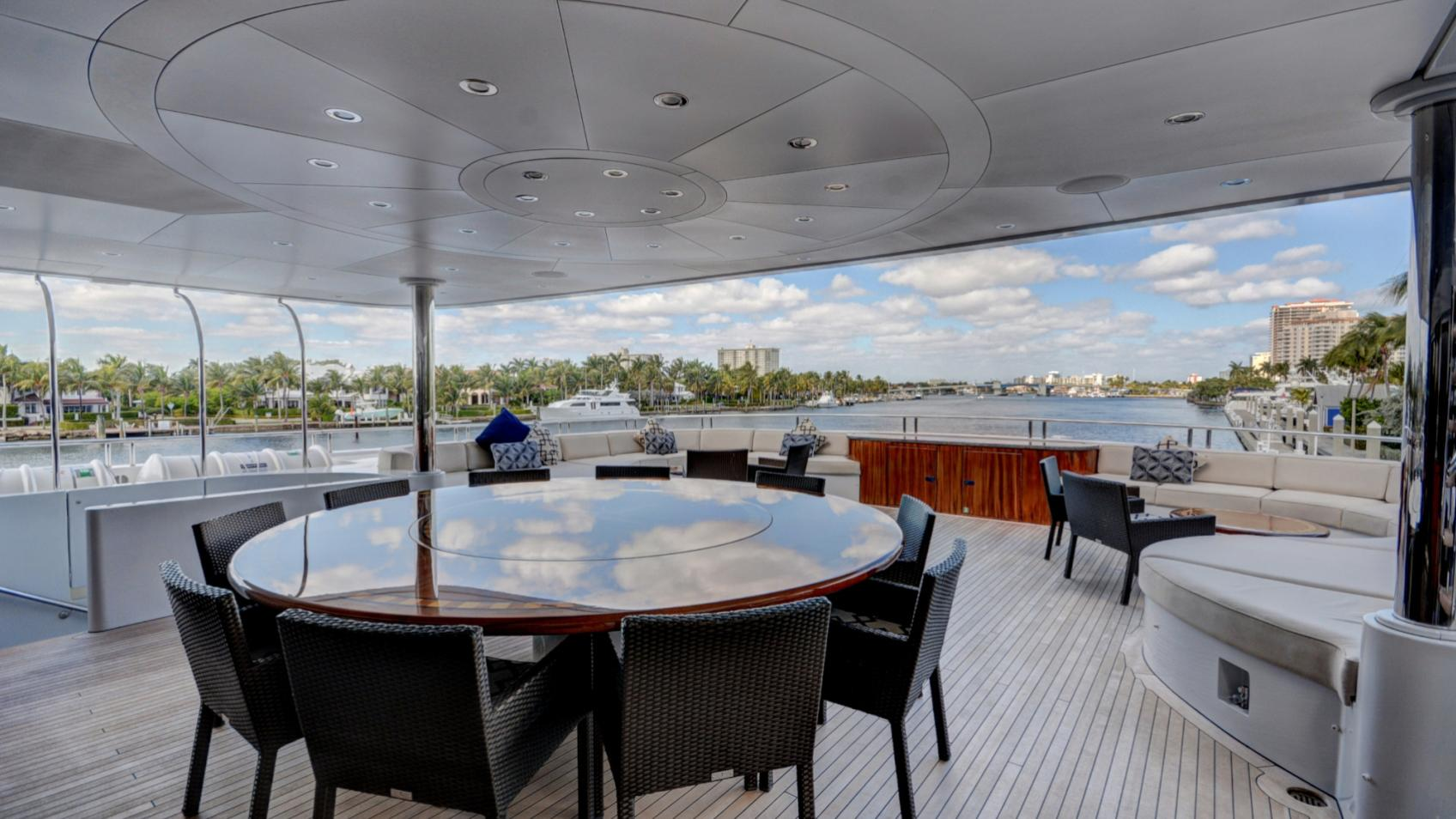 soverign motor yacht for sale dining