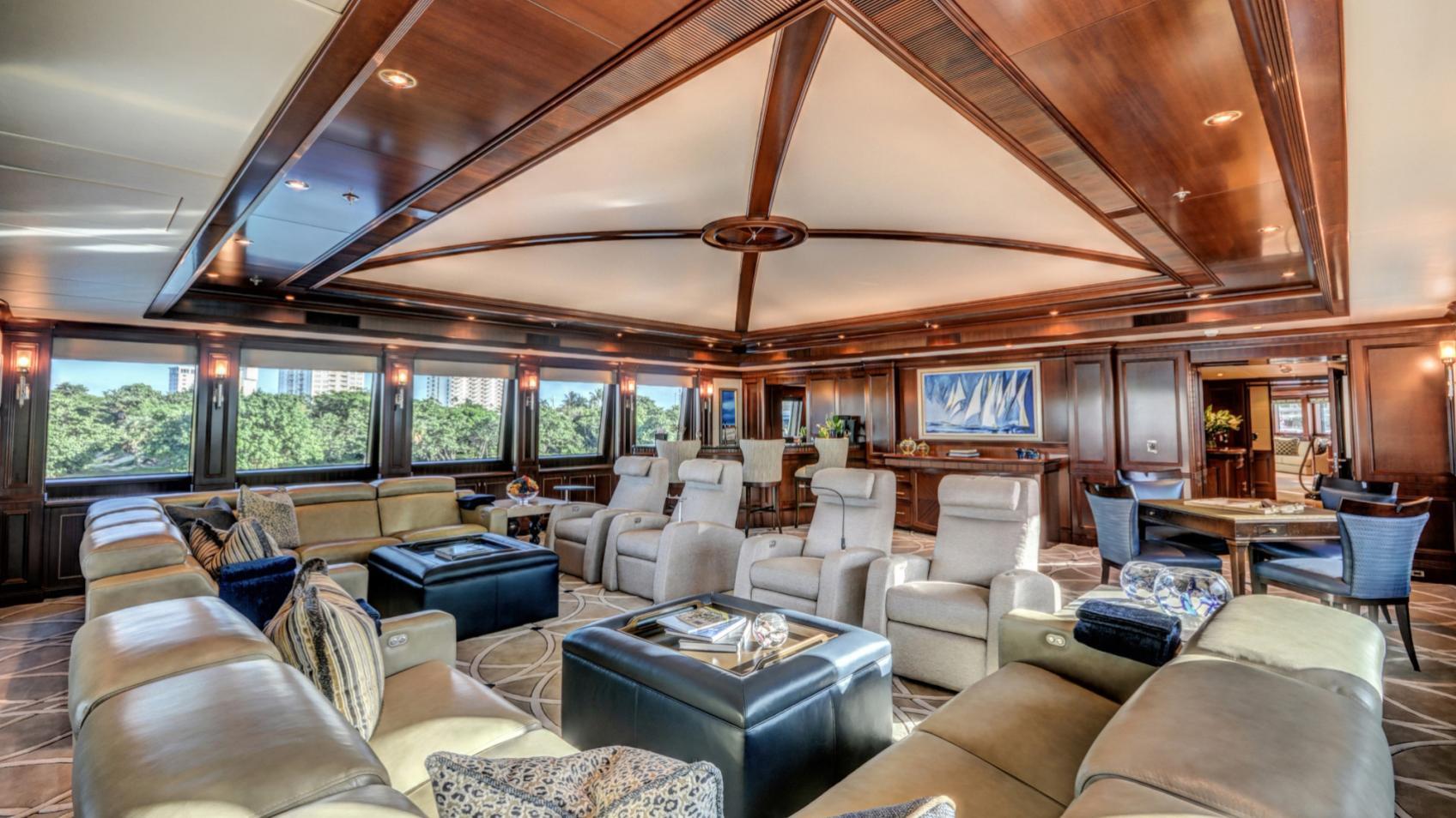 soverign motor yacht for sale lounge