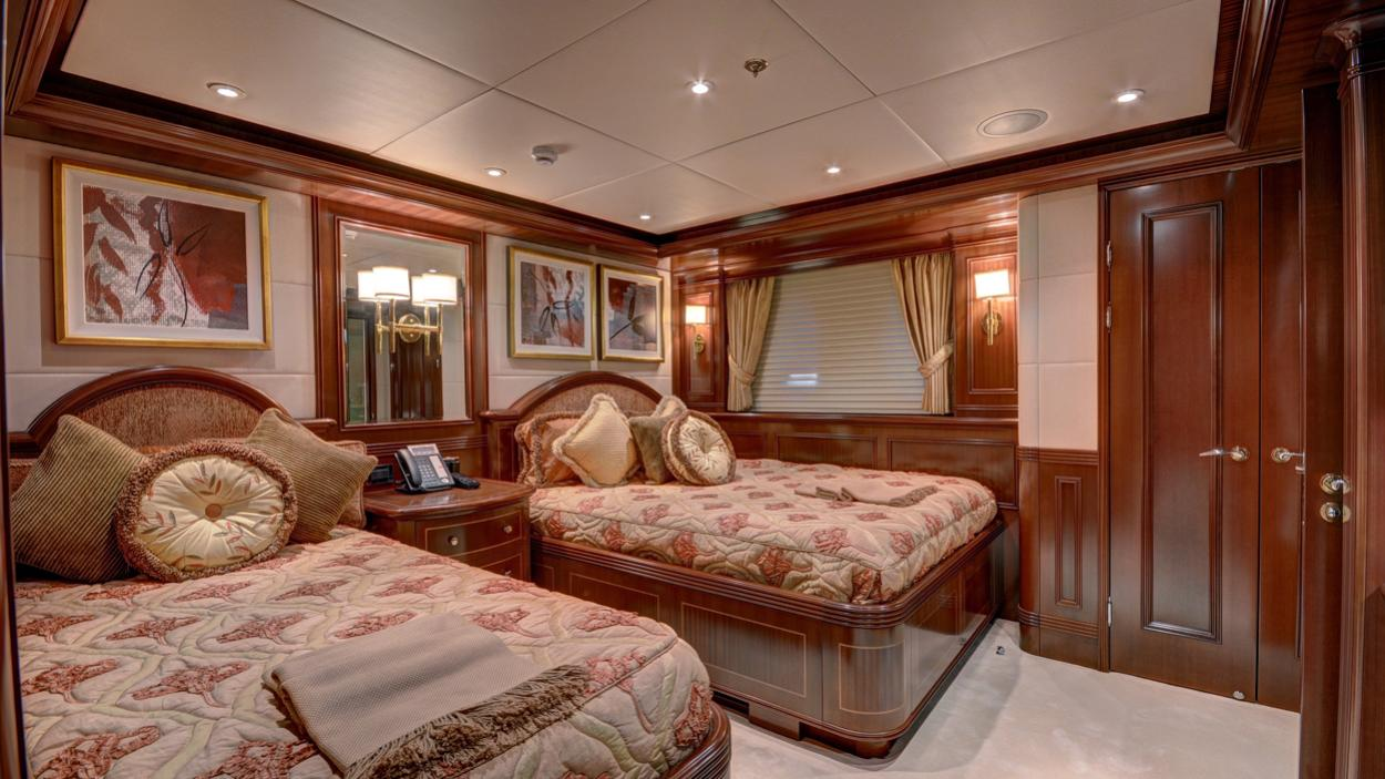 soverign motor yacht for sale twin cabin