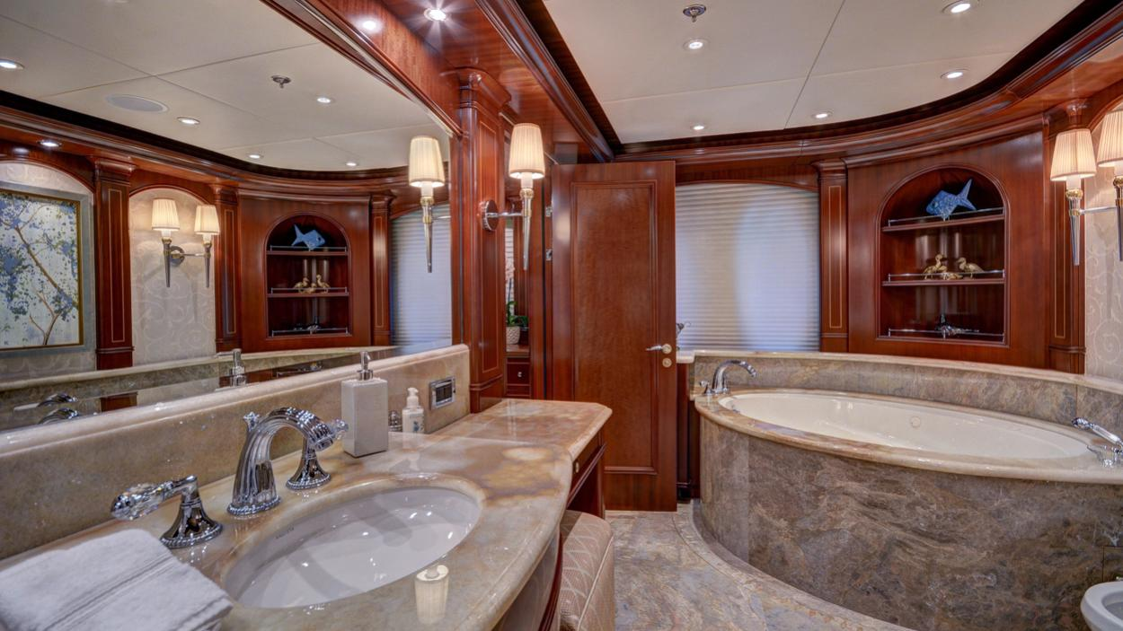 soverign motor yacht for sale bath
