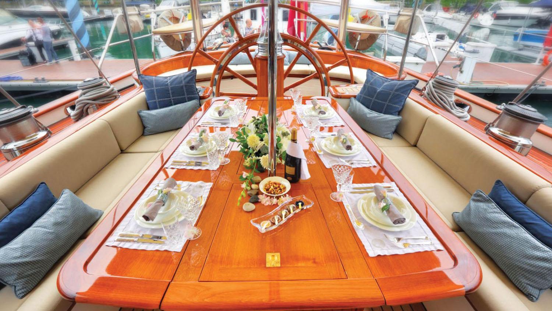 Shamoun-sailing-yacht-charter-deck-dining