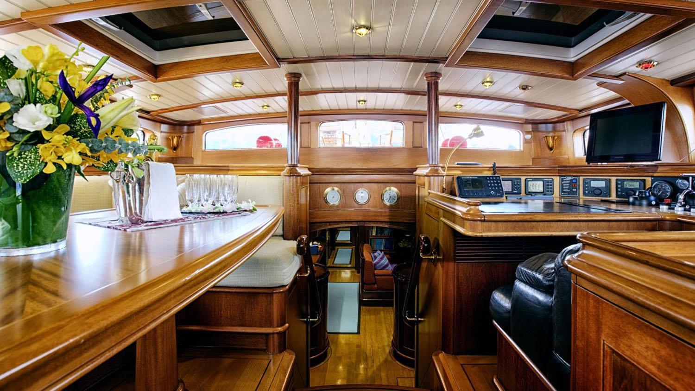 Shamoun-sailing-yacht-charter-saloon