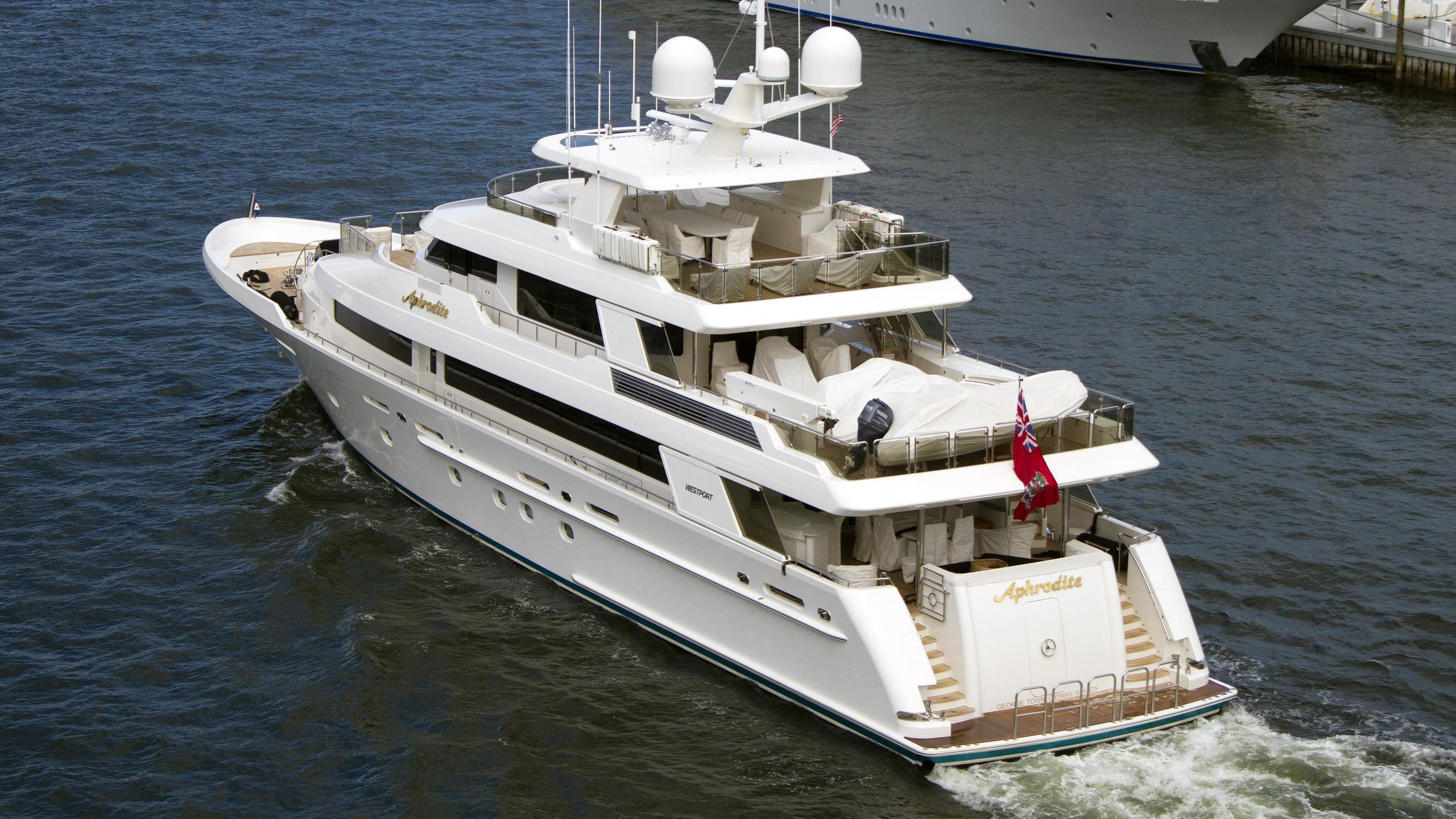 westport-130-4002-aphrodite-2009-motor-yacht-aerial-stern