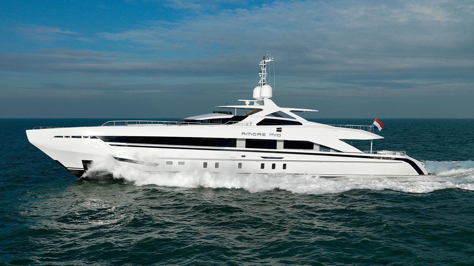 heesen-17145-amore-mio-motor-yacht-running