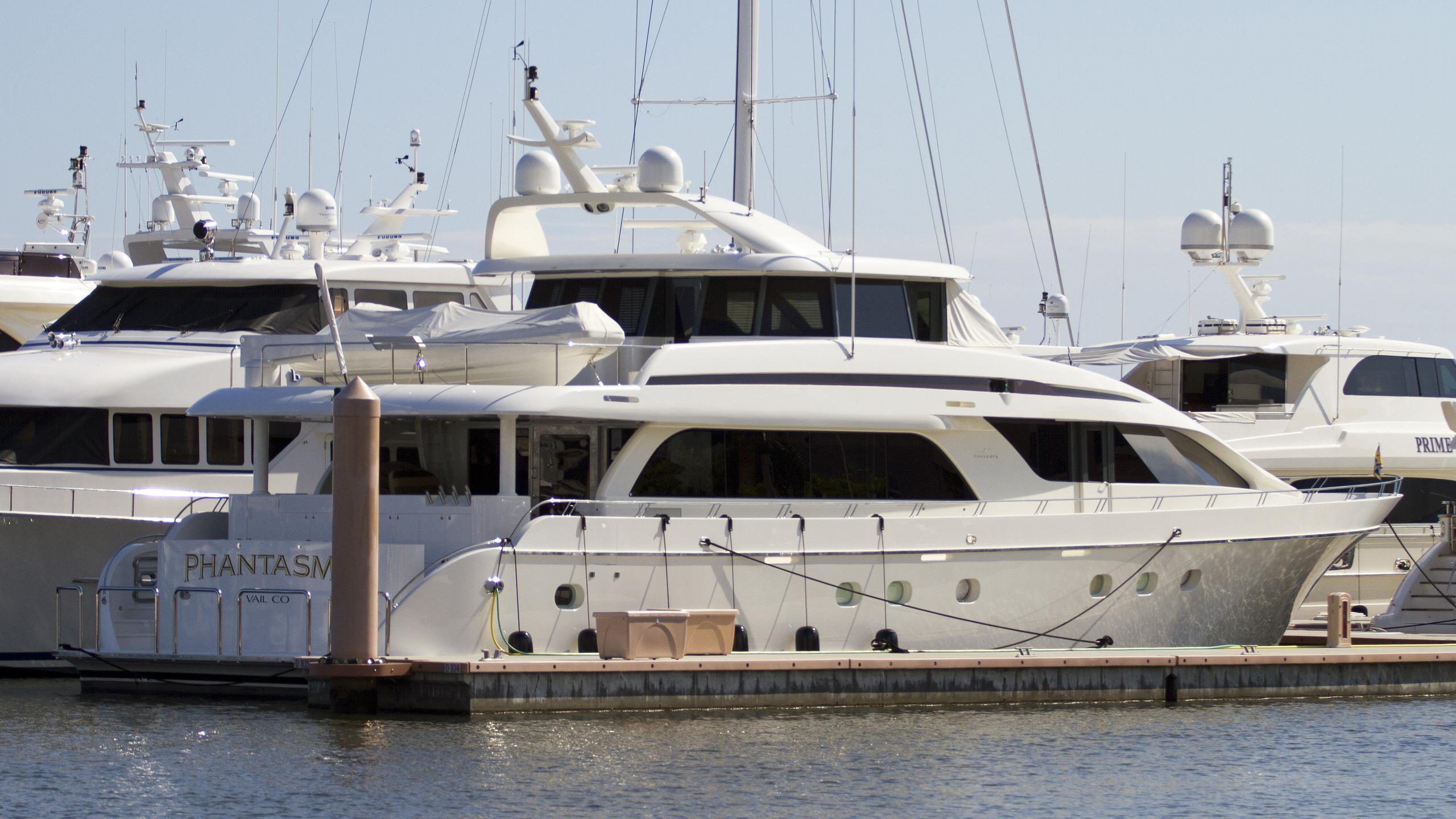 nordlund-phantasma-2003-motor-yacht