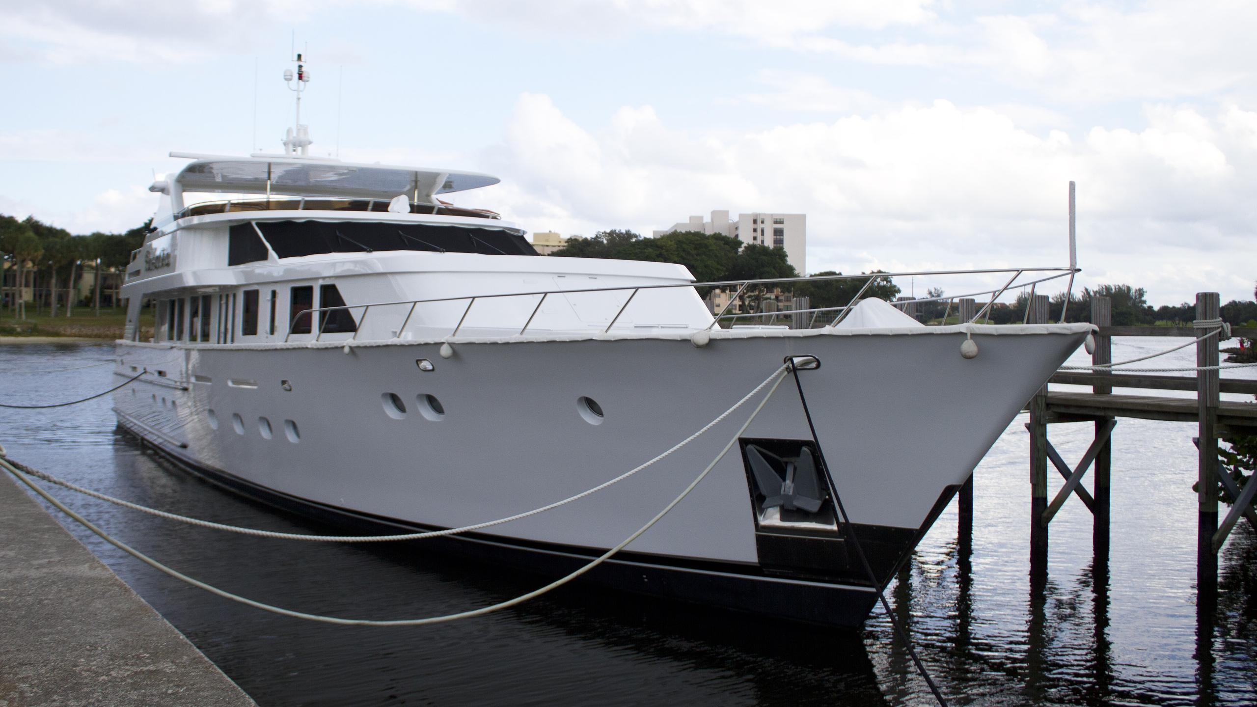 christensen-rusalka-1994-motor-yacht