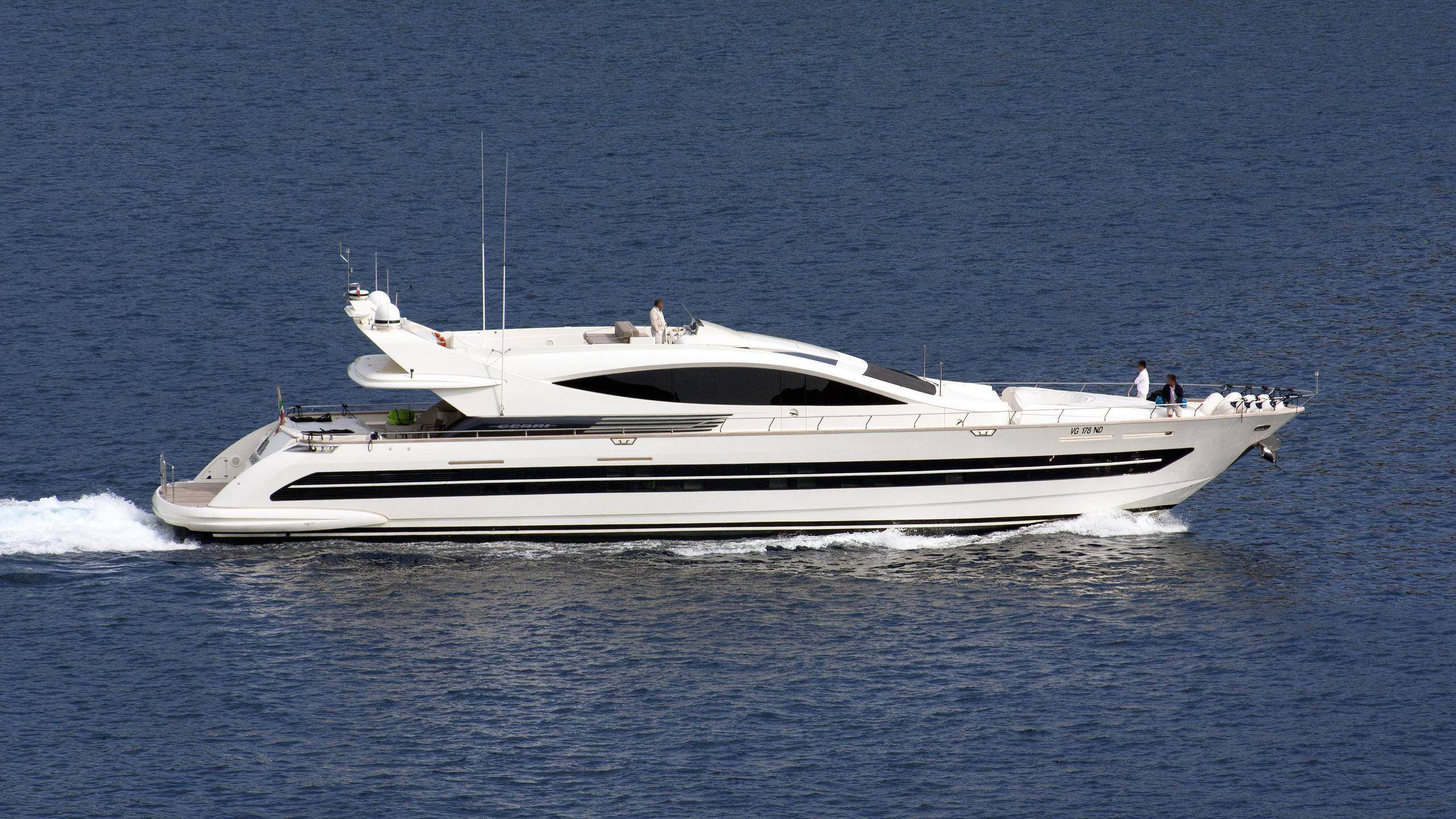 toby-motor-yacht-ceri-cantieri-navali-FlyingSport102-2009-31m-cruising