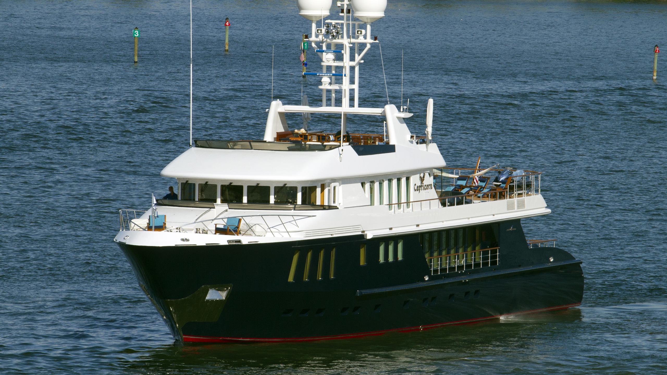 ice-5-capricorn-motor-yacht-turquoise-yachts-2003-43m-cruising