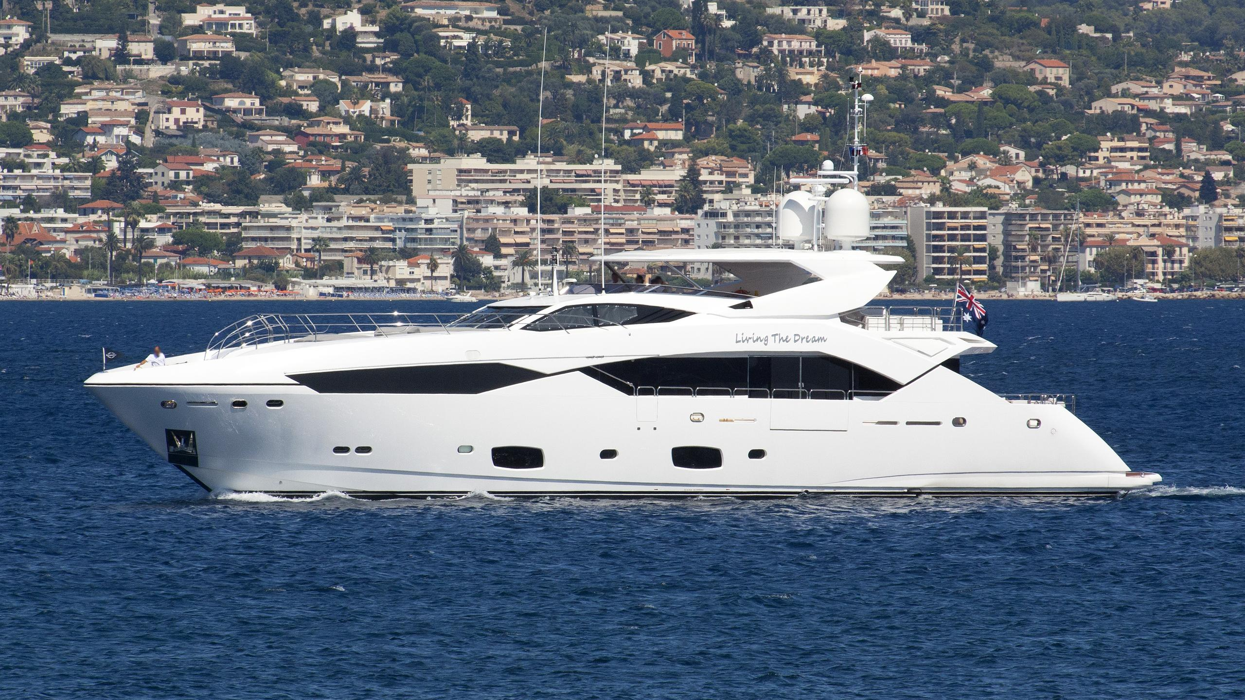 settlement living the dream motoryacht sunseeker 115SY 2015 35m profile