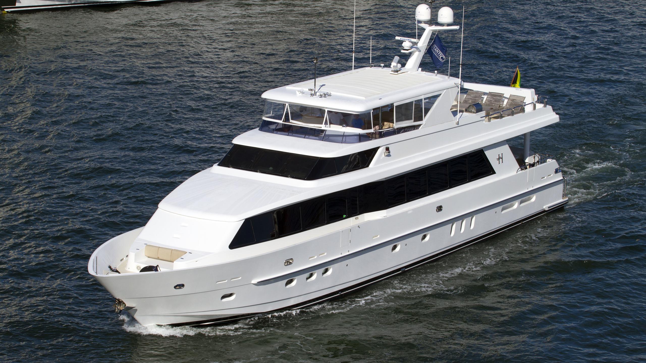 cameron alexander forever clarity motor yacht kha shing hargrave 101 2010 31m half profile