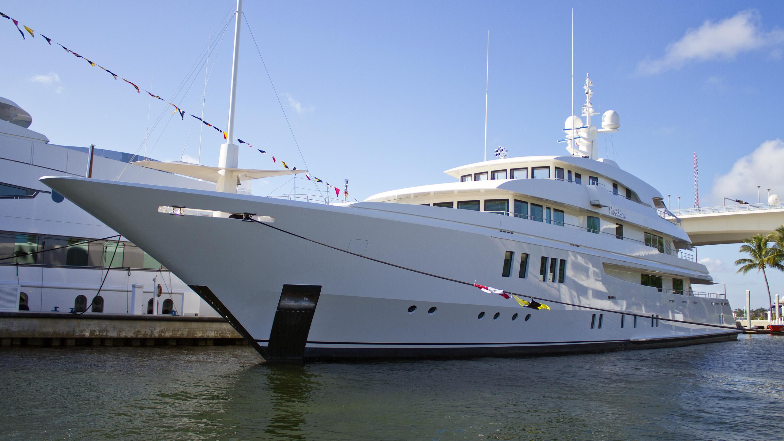 meridian-motor-yacht-icon-62-2012-63m-half-profile