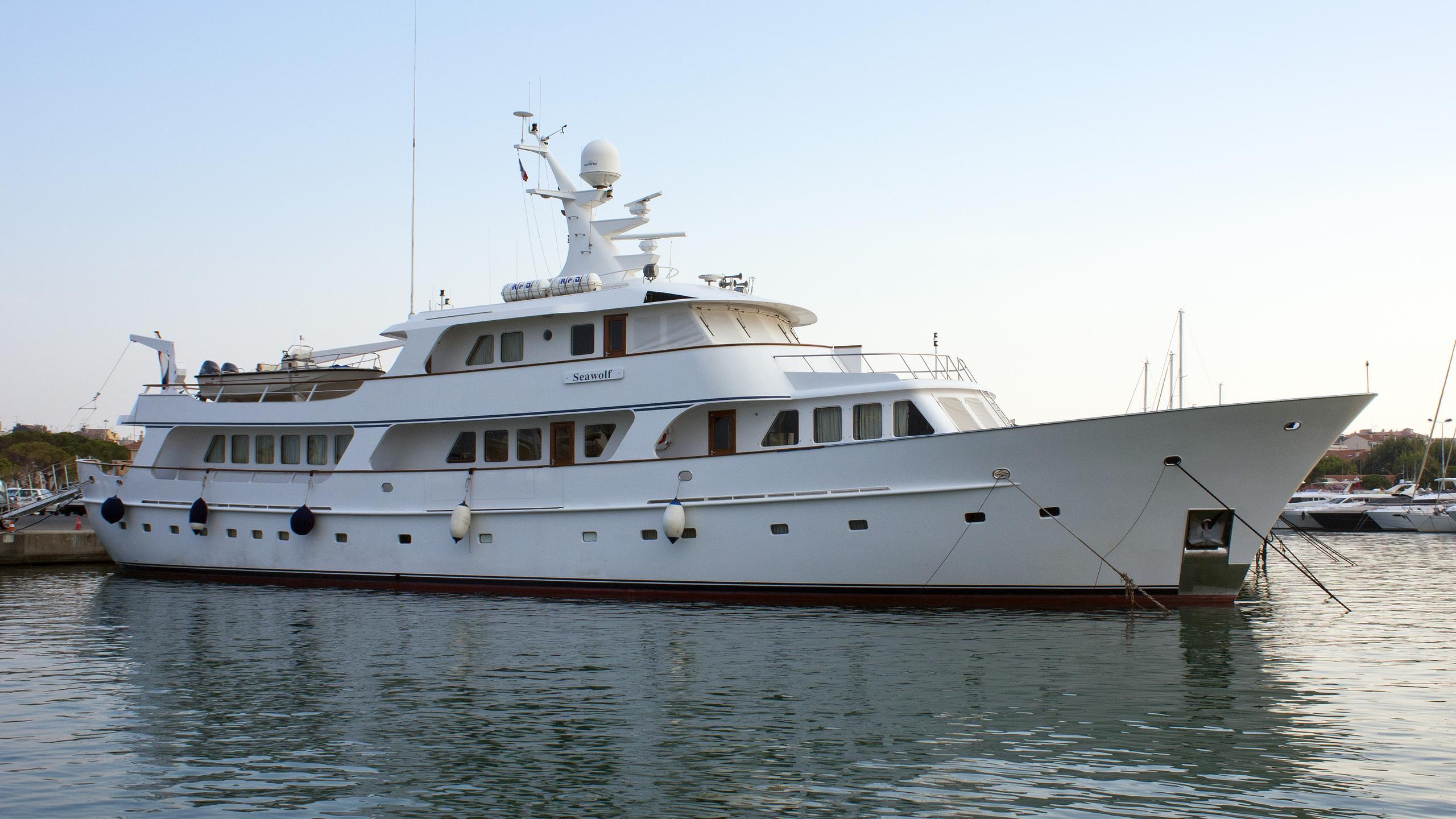 seawolf-motor-yacht-haak-1987-38m-half-profile