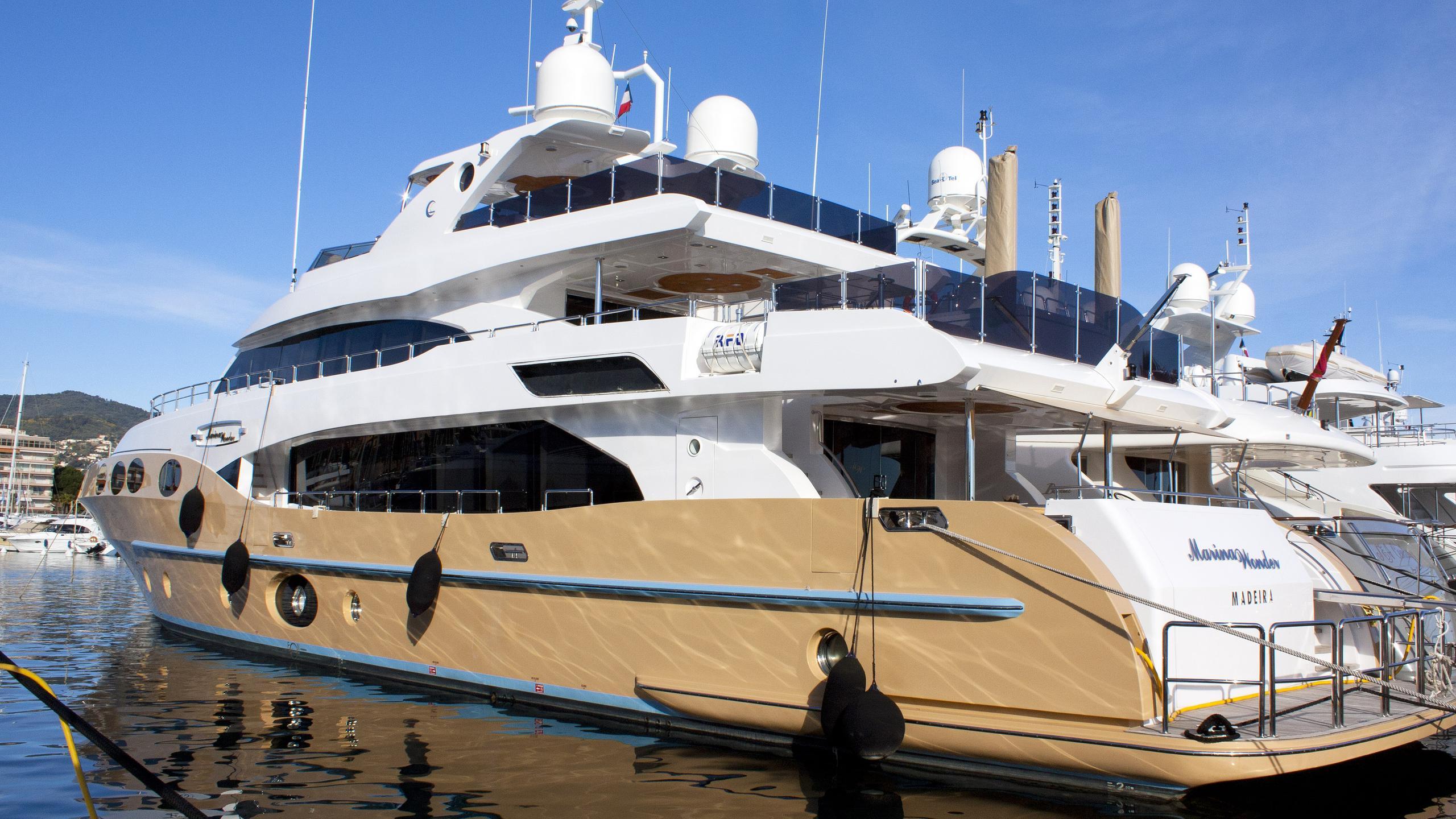 marina-wonder-motor-yacht-gulf-craft-2012-35m-half-profile