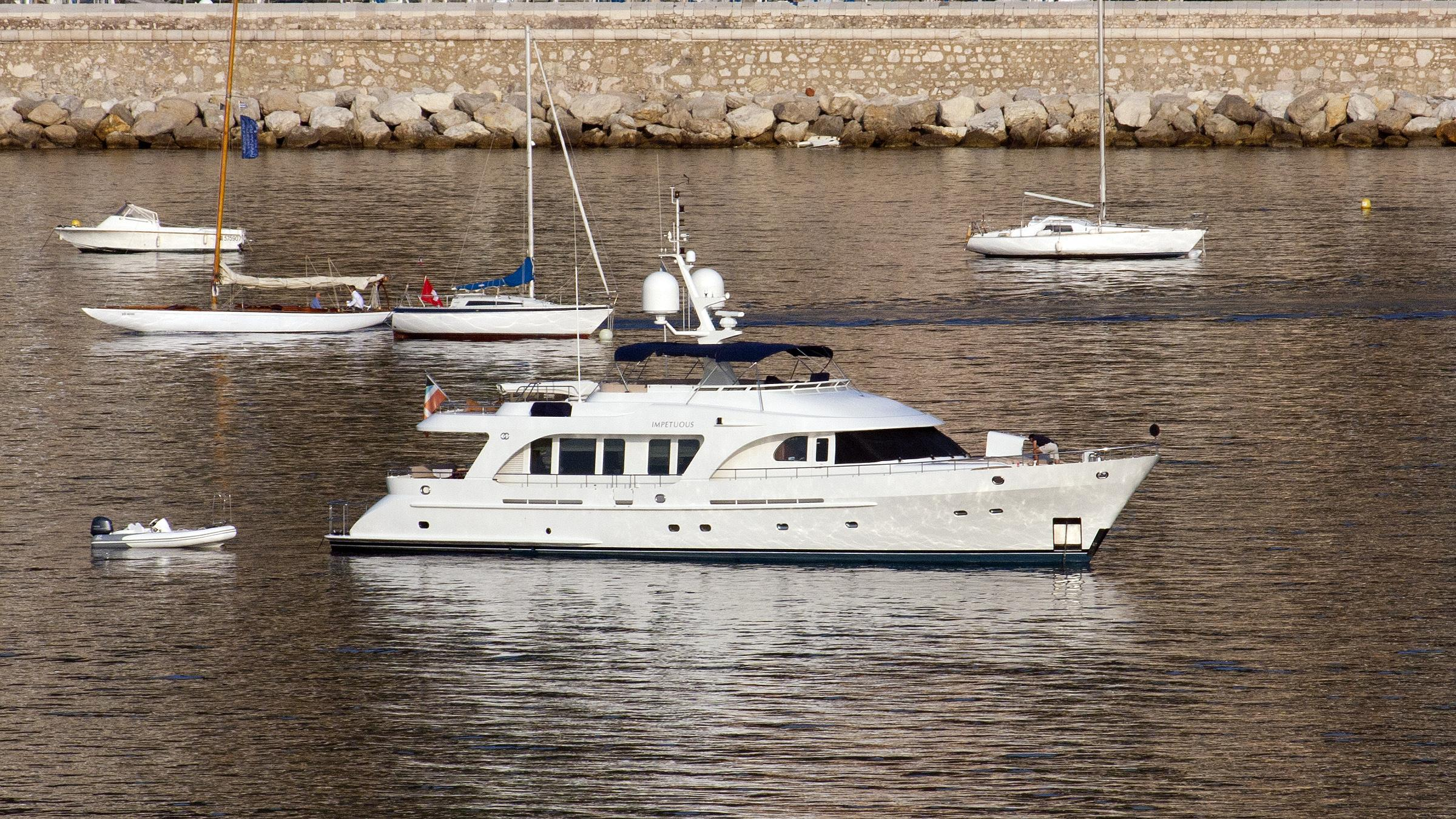 impetuous-motor-yacht-moonen-84-2002-26m-profile