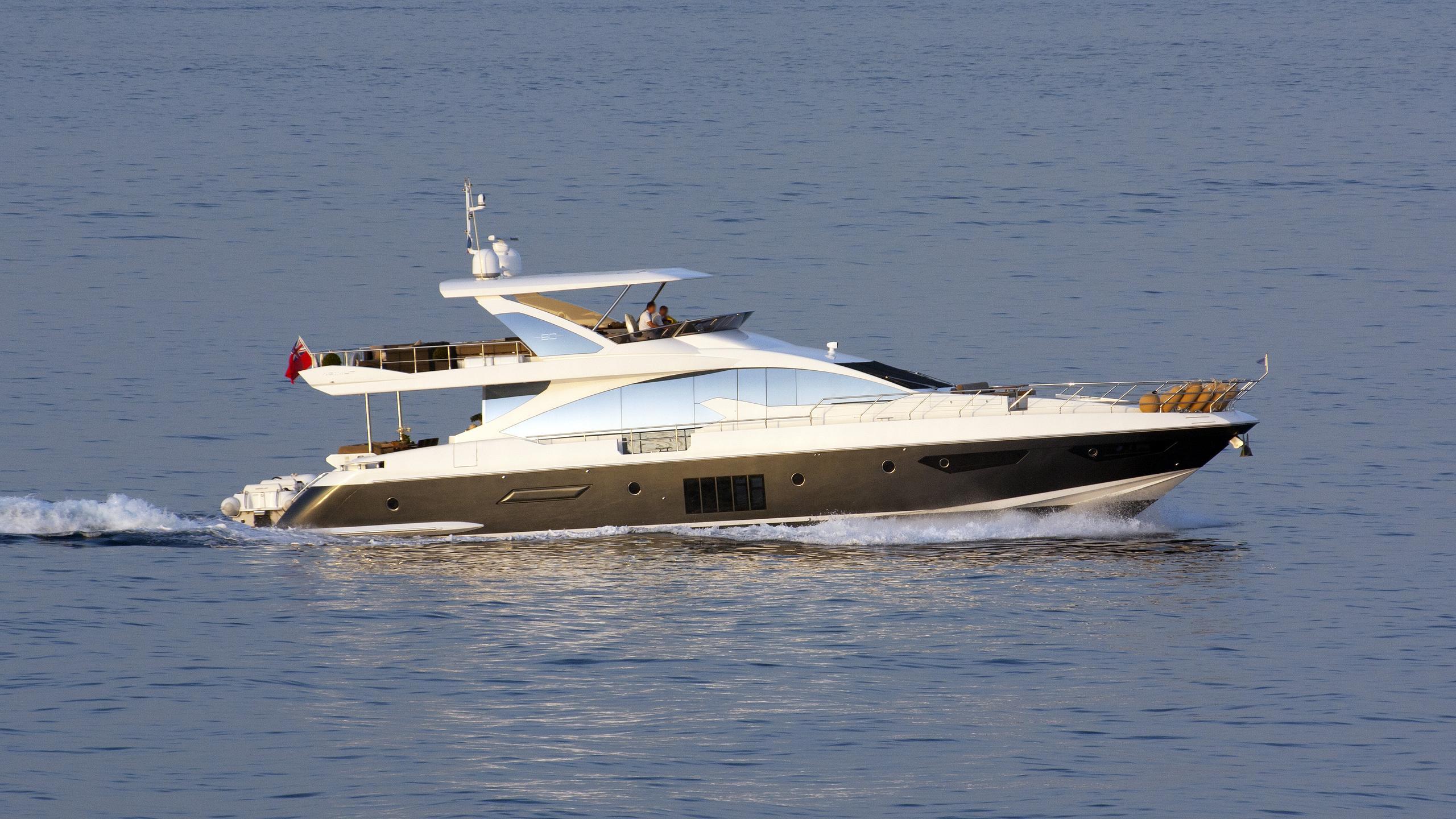 adel-motor-yacht-azimut-80-2014-25m-cruising