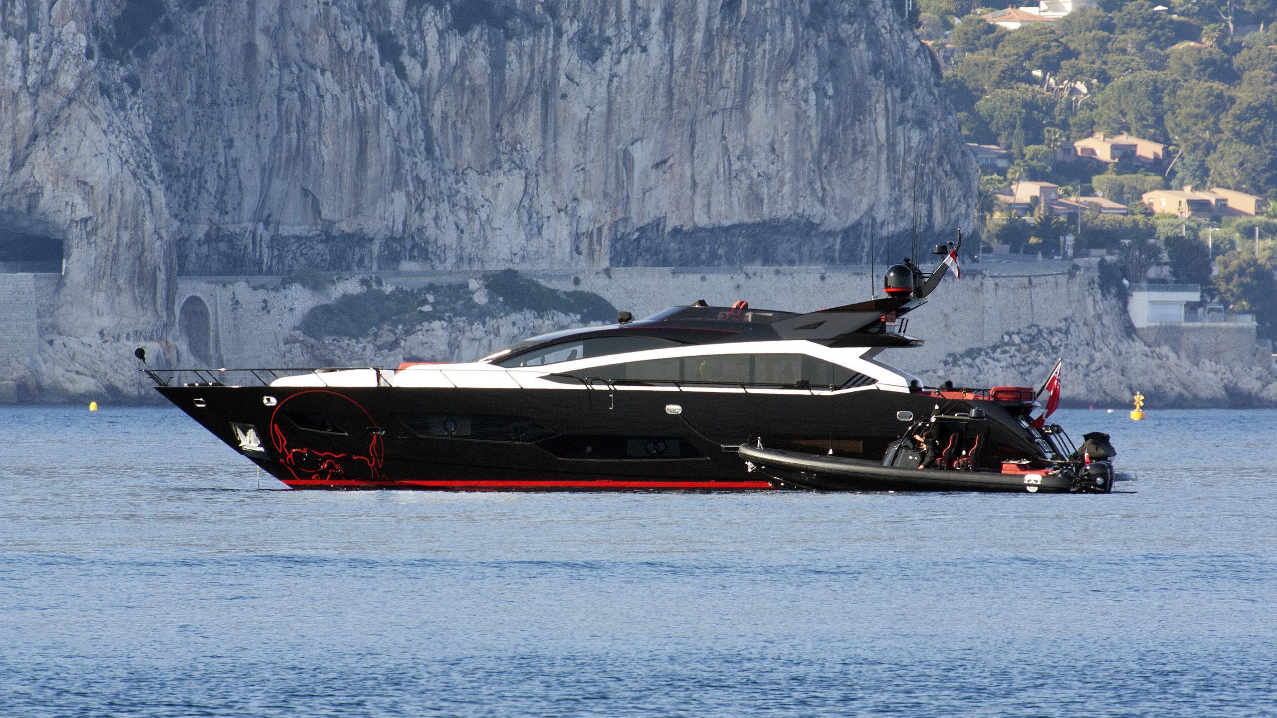 black-legend-motor-yacht-sunseeker-101-sy-2013-30m-profile